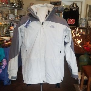 The north face Women's hyvent 2-1 jacket